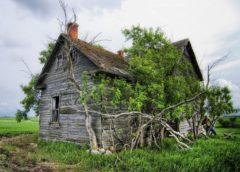 Чи варто ремонтувати старий дерев'яний будинок
