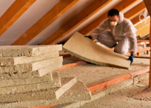 Утеплити дерев'яну стелю в будинку