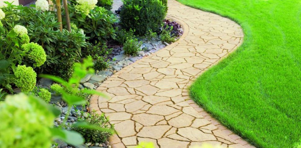 Як зробити садові доріжки в саду на нерівній землі