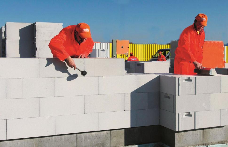 З чого будувати будинок вигідніше