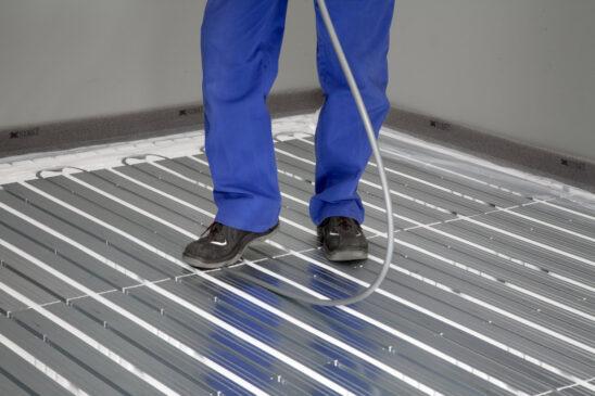 Підігрів підлоги. Чи варто користуватися теплою підлогою