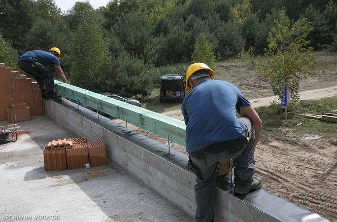 Монтаж даху й настінного покриття
